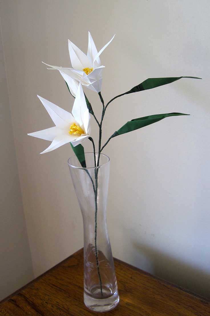 Easter lily origami flower bouquet graceincrease custom origami art easter lily origami flower bouquet izmirmasajfo